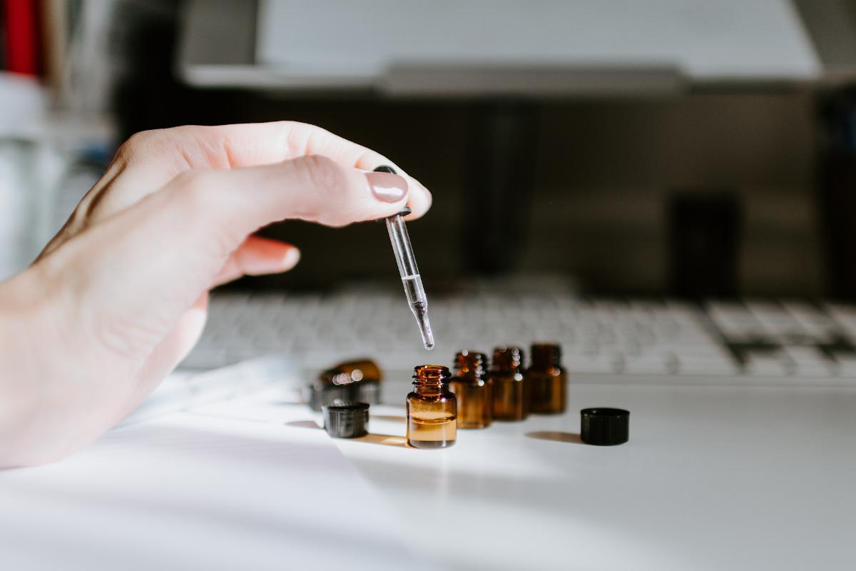 香精與精油的區別?保養品的香味安全迷思